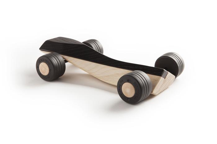 spliner F1 black wooden toy car maarten olden